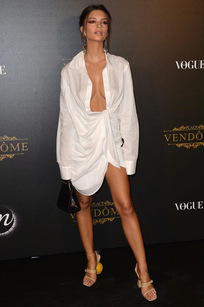 fiesta vogue paris fashion week Emily Ratajkowski