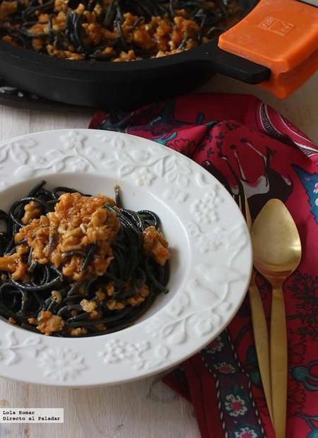 Espaguetis negros a la cervese, una receta socorrida y fácil de preparar