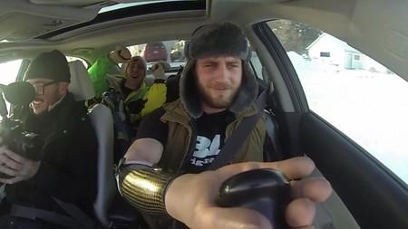Cómo hacer drifting con un Mazda6 MPS sin brazos ni piernas