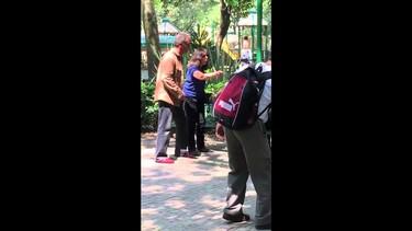 Una madre es insultada por dar el pecho en la calle: polémica campaña de Unicef