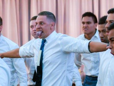Si quieres que los invitados de tu boda se emocionen, mete en ella un haka neozelandés