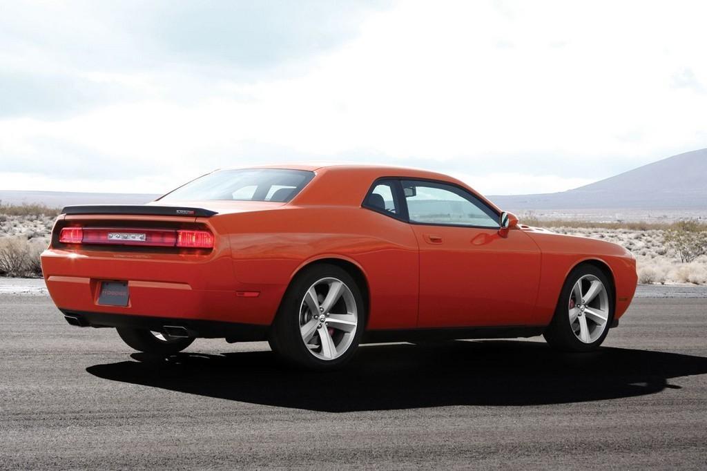 Foto de Dodge Challenger SRT8 (17/103)