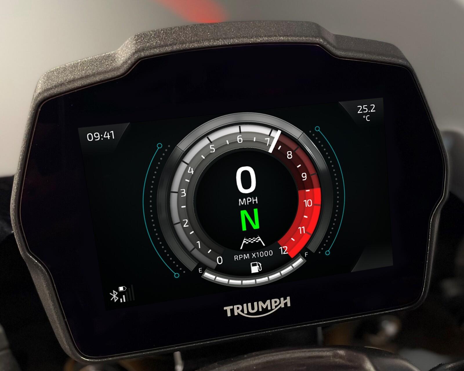 Foto de Triumph Speed Triple 1200 RS 2021 (66/71)