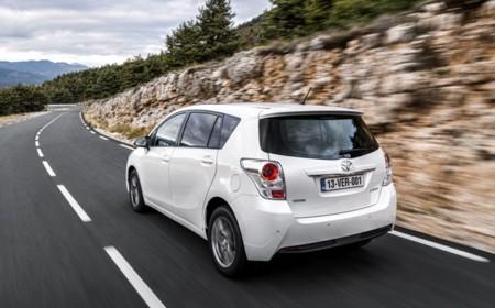 Toyota Verso 2015 05