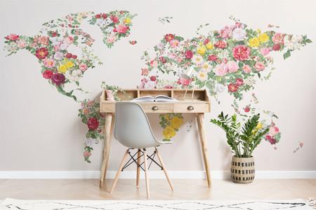 Si tú también añoras viajar, te encantará esta colección de papel pintado inspirada en mapas del mundo