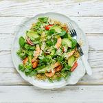 Siete veraniegas ensaladas con quinoa para un saludable picoteo del finde