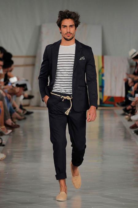 La elegancia informal de Tenkey presente en su colección Privamera-Verano 2016