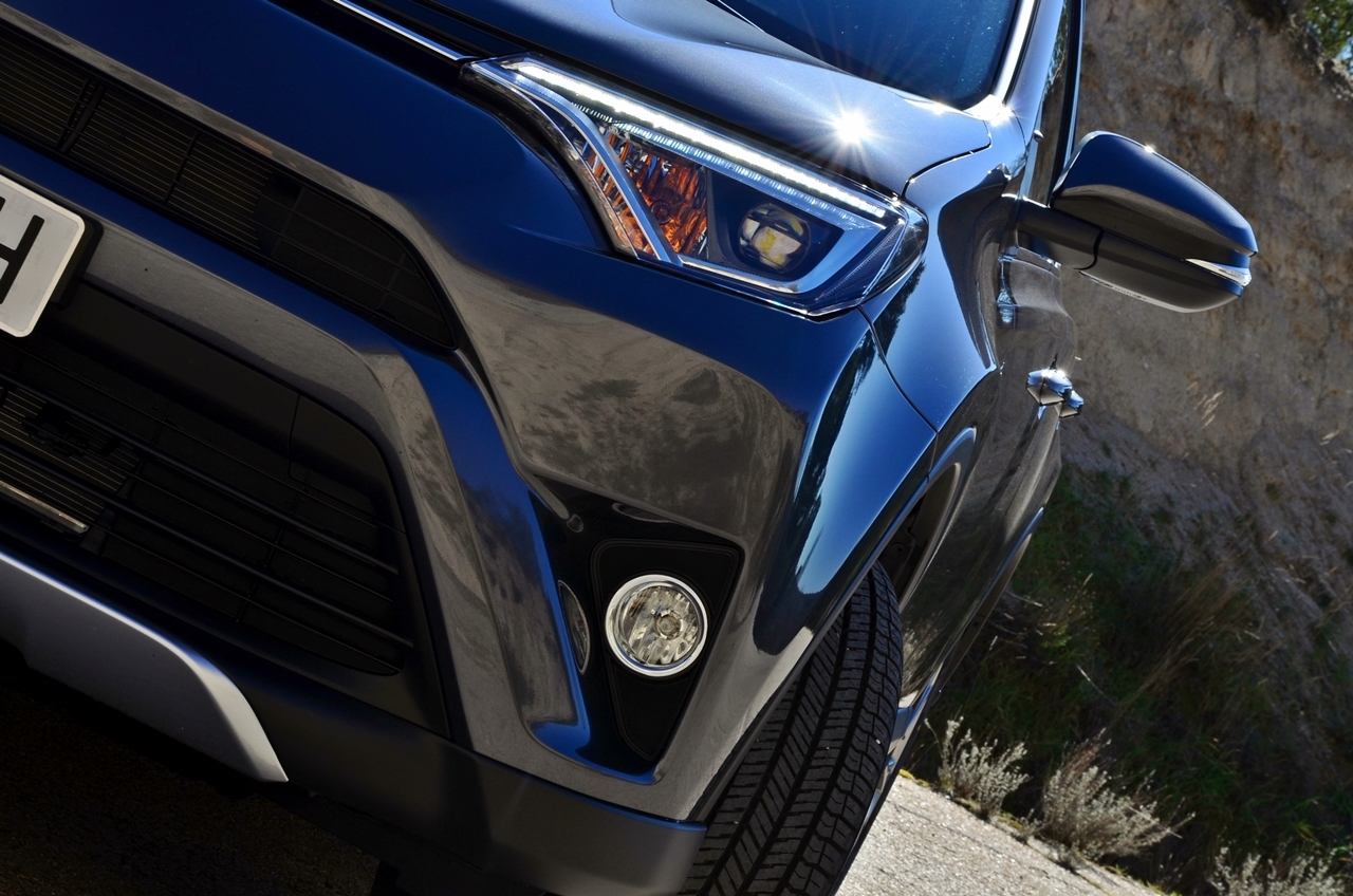 Foto de Toyota RAV4 150D Advance (55/75)