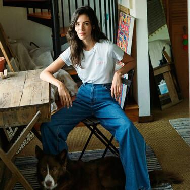 Los pantalones vaqueros de campana están arrasando: son los jeans de moda y vienen dispuestos a desterrar a los pitillo
