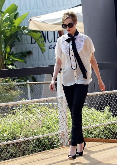 Duelo de estilos: outfit en blanco y negro, ¿Mónica Bellucci o Evan Rachel Wood?