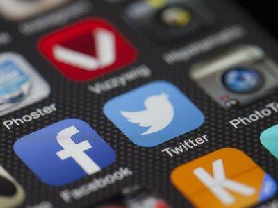 Facebook, Twitter y YouTube eliminan el 70 % de las incitaciones al odio que se reportan en la Unión Europea