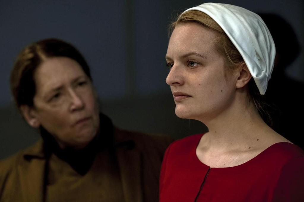 """'La storia di una cameriera"""": il primo trailer della stagione 4, avverte che """"questa guerra non è andando a vincere in solitaria,"""""""