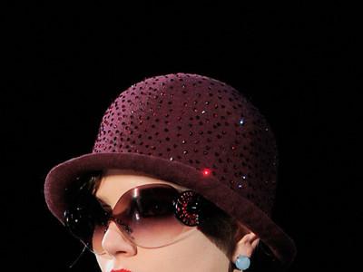 Las vanguardistas gafas de sol de Emporio Armani