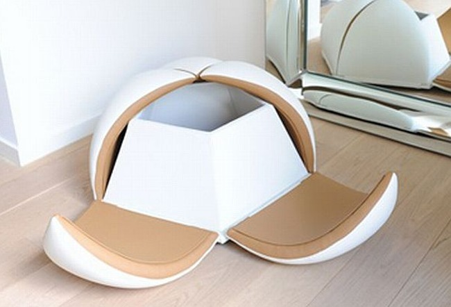 Sea-Star-Puff-seating-and-storage-1.jpg