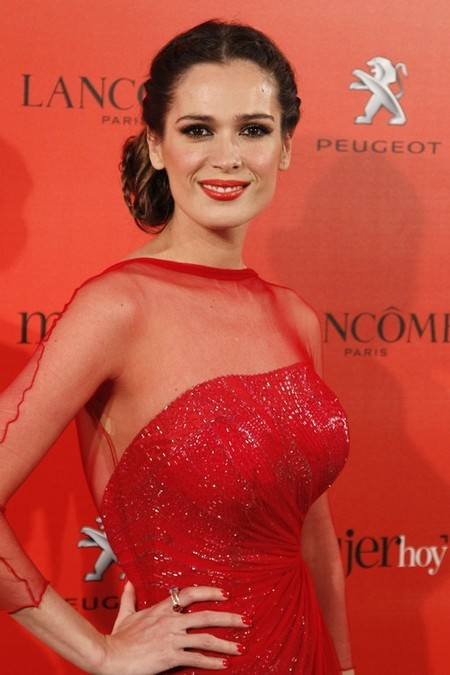 Los recogidos se adueñan de la alfombra roja de los premios 'Mujer Hoy'