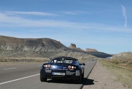 Otra vuelta al mundo en coche eléctrico: ahora un Tesla Roadster y solo en 80 días