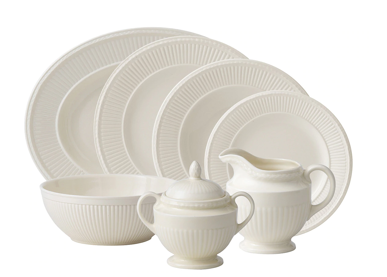 Tableware by pieces: coffee cup and saucer