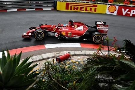Fernando Alonso se acerca a Mercedes... bajo la lluvia