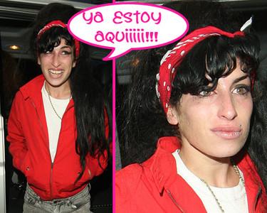 Amy Winehouse vuelve a casa liándola