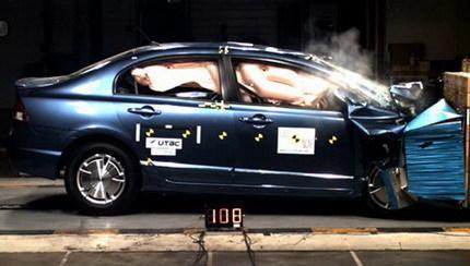 EuroNCAP: Ni el Skoda Fabia ni el Honda Civic Hybrid consiguen las 5 estrellas