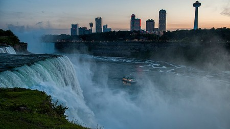 Hornblower Niagara Cruises Visual Asset Library Voyage To The Falls Evening Niagara Falls Ontario Canada
