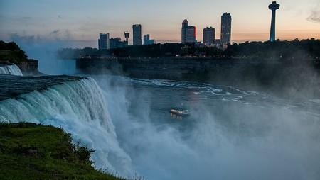 Hornblower Niagara Cruises Visual Asset Library Voyage To The Falls Evening Niagara Falls Ontario Canada