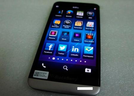 BlackBerry A10 aparece de nuevo en imágenes y vídeo