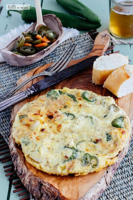 Omelette de jalapeño y cebolla. Receta fácil