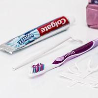 Ahórrate el dinero: las pastas de dientes 'blanqueadoras' no blanquean más que las normales