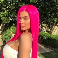 Kylie Jenner saca a relucir sus pelucas de colores para conquistar Coachella