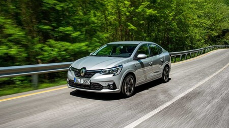 Los Renault Sandero y Logan dan marcha atrás: no renovarán generación en Latinoamérica