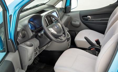 Nissan e-NV200 de pasajeros interior