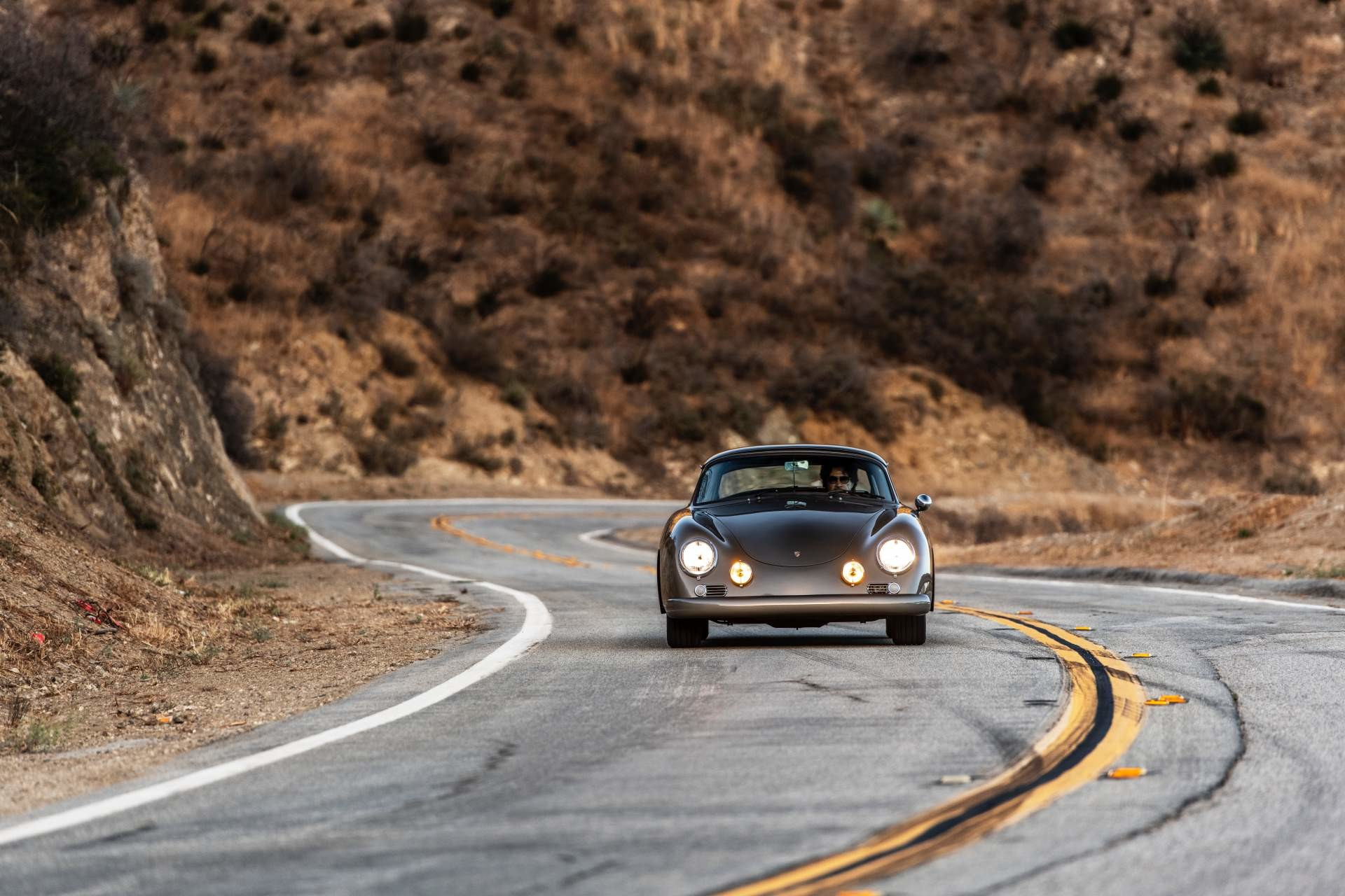 Foto de Emory Motorsports Porsche 356 restomod (11/46)