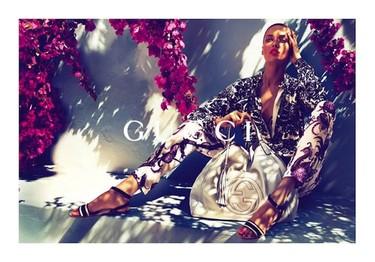 Entre buganvilias decimos ¡hola! a Gucci y su colección Crucero 2012