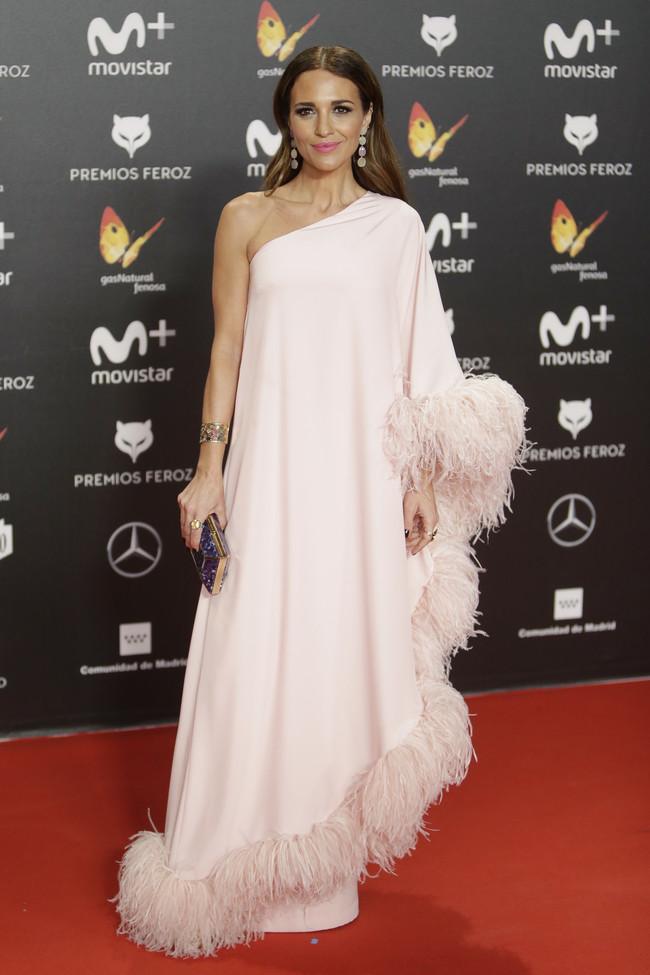 premios feroz alfombra roja look estilismo outfit Paula Echevarria