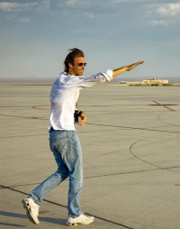 Michael Bay dirigiendo Transformers