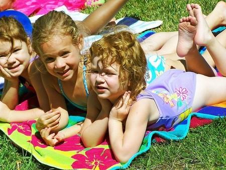 Quemaduras solares en niños y bebés, qué hacer y qué remedios aplicar