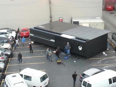 Aparece una Xbox One gigante en un parking de Vancouver (Canadá)