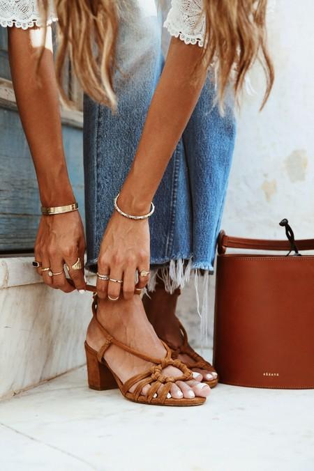 19 sandalias de lujo con tacón grueso (y rebajadas) para llevar las 24/7