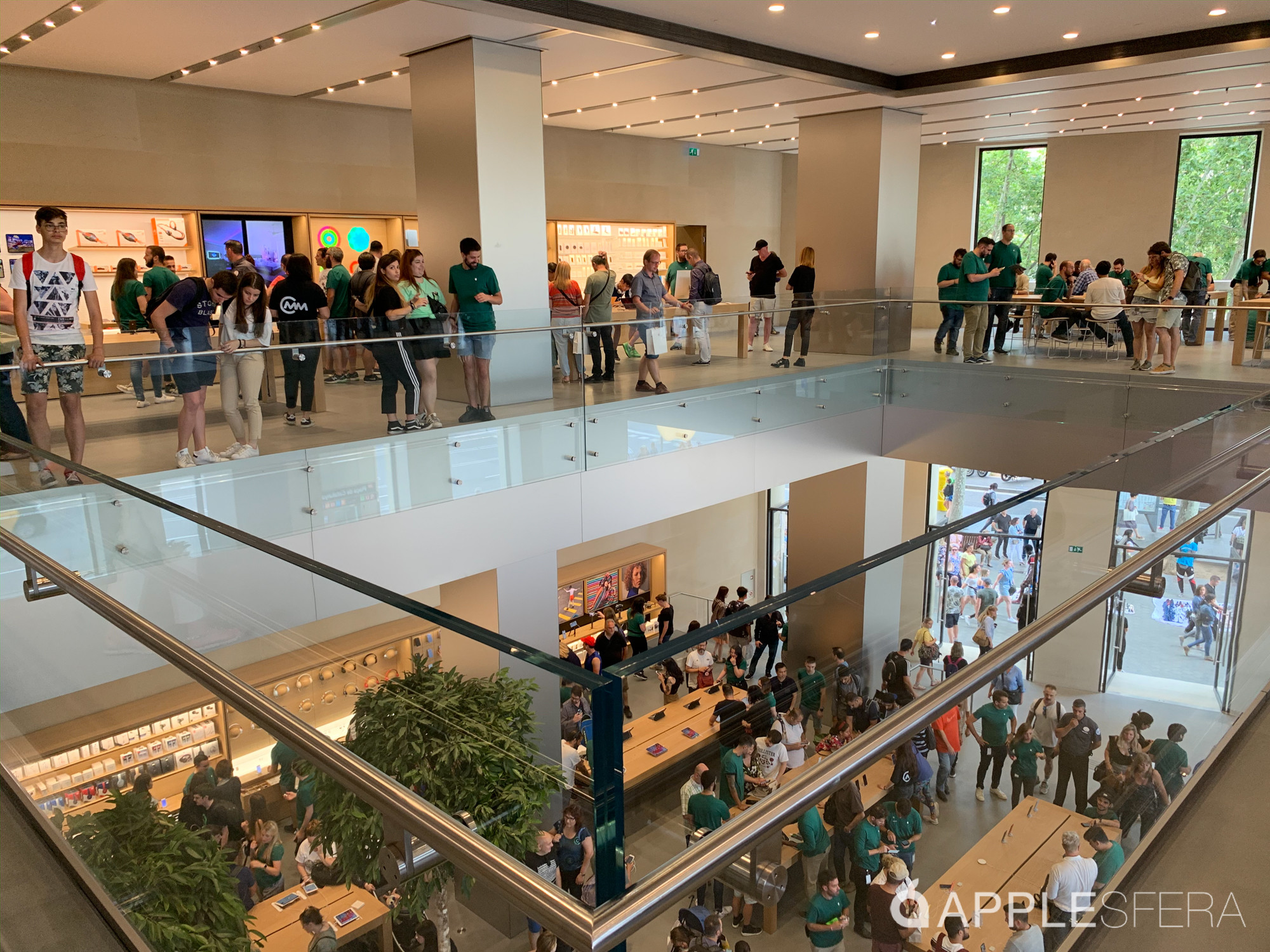 Foto de Apple Store Passeig de Gràcia (23/28)