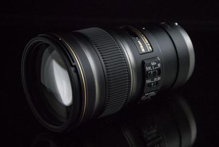 Nikon AF-S Nikkor 300 mm f/4E PF ED VR y AF-S DX Nikkor 55-200 mm f/4-5.6G ED VRII, todos los detalles