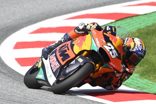 ¡Revolución rookie! Raúl Fernández bate a Ai Ogura para conectarse al mundial de Moto2