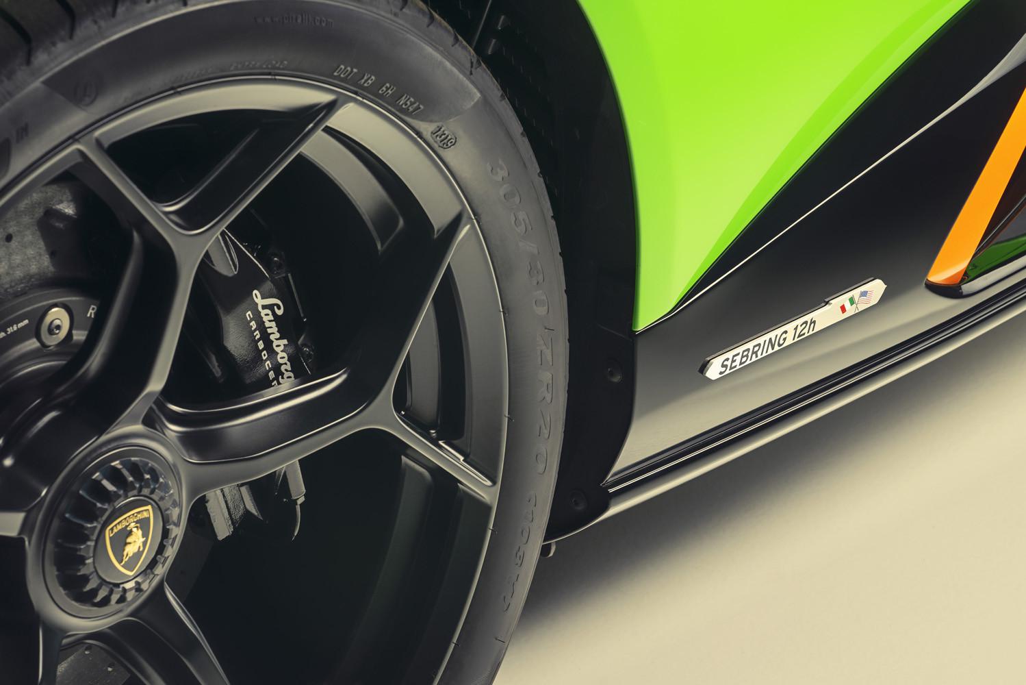 Foto de Lamborghini Aventador SVJ 63 Roadster y Huracán EVO GT Celebration (17/26)