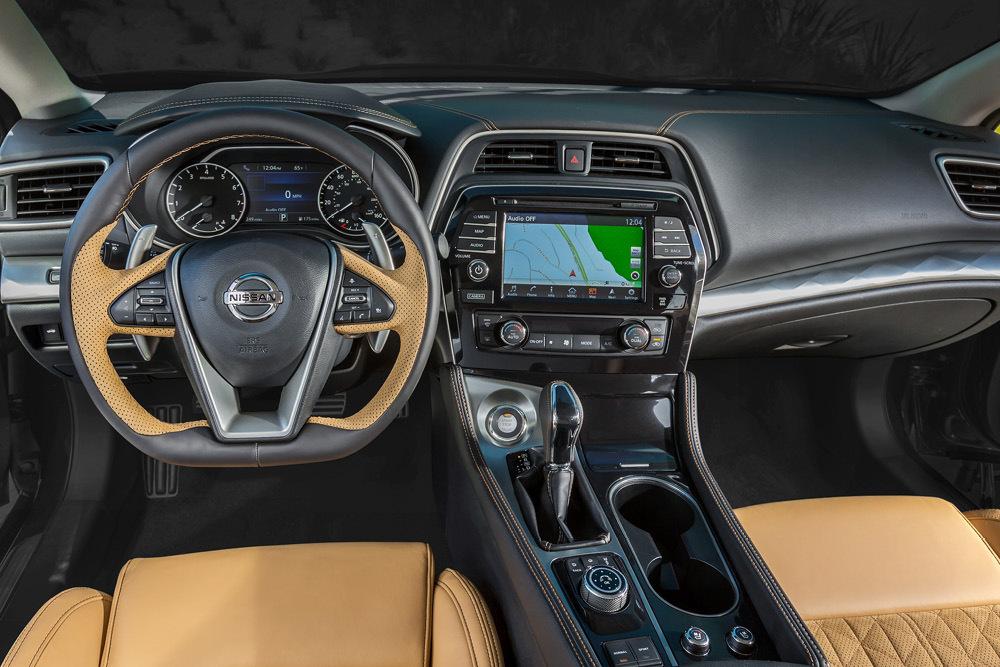 El Nuevo Nissan Maxima Llega De Nueva York Para Ganar La Lucha De Egos Con Tu Vecino