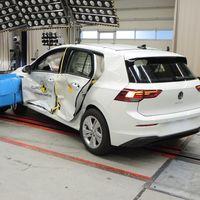 El Volkswagen Golf 8 logra cinco estrellas Euro NCAP, pero los pequeños coches eléctricos del grupo alemán se estrellan con tres