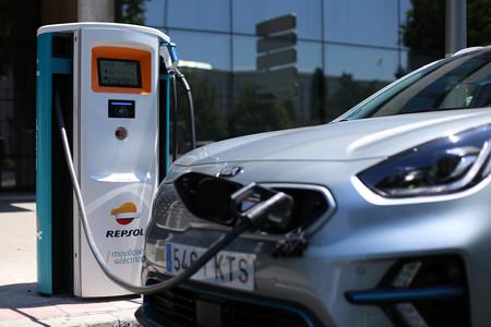 Kia Repsol postes de carga coches eleéctricos