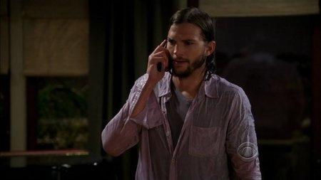 Ashton Kutcher se adapta correctamente a 'Dos Hombres y medio'