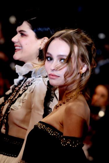 Lily-Rose Depp conquista el Festival de Cannes a golpe de Chanel