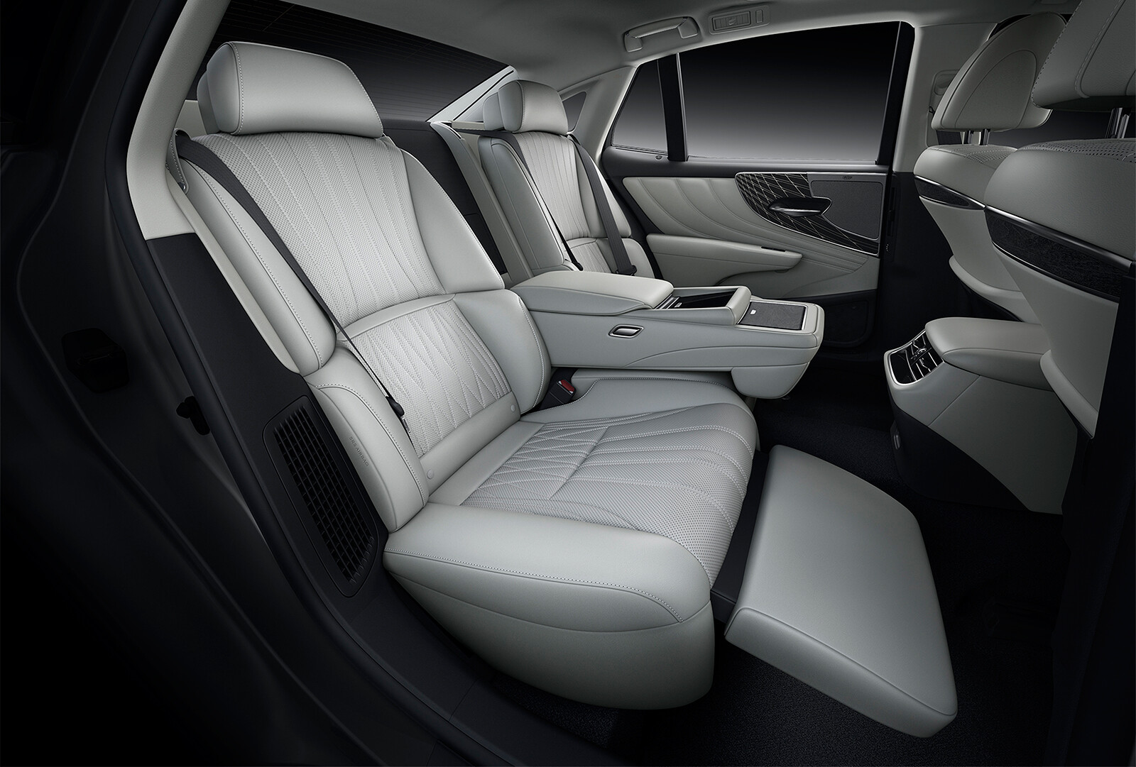 Foto de Lexus LS 500h 2021 (11/14)