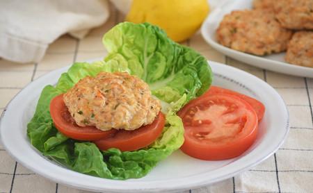 Hamburguesas fit de pollo: receta saludable que puedes adaptar a tus necesidades
